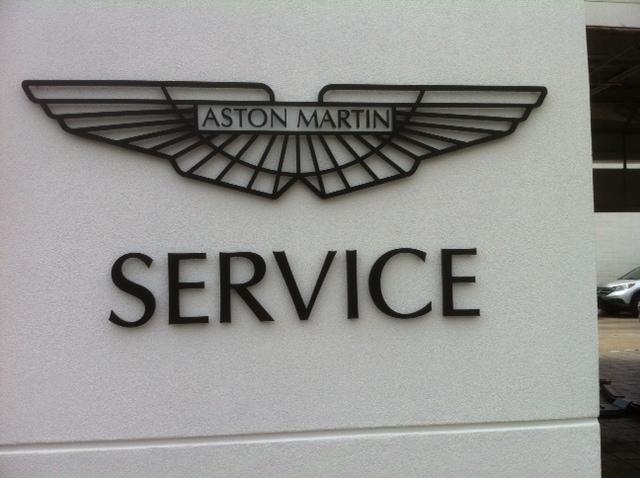 Signs/service.JPG